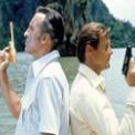 007 黄金銃を持つ男 無料動画