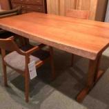 『【2人暮らしにお勧めダイニングセット】W1650の山桜テーブルにイバタインテリア・Humming アームチェアをセット』の画像