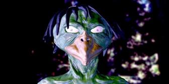 ある日、主人から「お前の顔、カッパに似てるなぁ。」と言われて、それからあだ名は「妖怪」「カッパ婆」