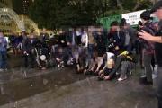 【蠅】「写真映え」求め迷惑行為。神戸ルミナリエで地面に水をまき散らし、水面に映るイルミネーションを撮影