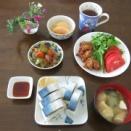 ヘルシーランチ 鯖寿司 酢豚 野菜サラダ 鶏肉唐揚げ