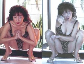 柏原芳恵さんのすごい水着写真が発見されたわ! ドスケベの極み!