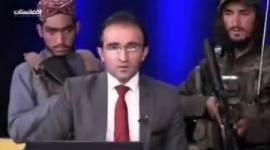 【動画】「アフガニスタンはとても平和になりました」 テレビ局が安全アピールも、キャスターの背後にタリバン兵wwwww