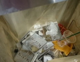 【悲報】SKEオタ、買ったCDを堂々と海浜幕張駅のゴミ箱に廃棄