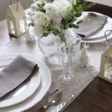 『コース料理のテーブルコーディネート』の画像