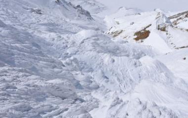 『日本百名山 雪の安達太良山へ☆その2 大人の雪遊び♩ 』の画像