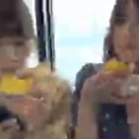 『【乃木坂46】井上×若月 香港SR『モグモグ配信』をするも画質が悪すぎて何を食べてるのかがわからないwwwwww』の画像