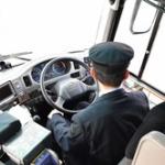 バスの運転手って態度悪いの多くね?