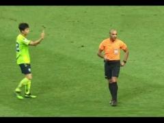 【 画像 】ACL試合中での韓国人選手の行動がまた物議!今度は審判に・・・
