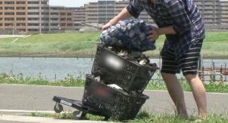 日本の「潮干狩り」 知った中国人観光客ら、海岸に殺到 カキを取り尽くし、殻をポイ捨て