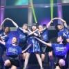 『東山奈央さん、ダンサーズと振り付けの先生との打ち上げ画像公開』の画像