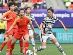 韓国サッカー代表、中国に負けて五輪予選敗退!!! 日本人主審に八つ当たりする韓国人どもをご覧くださいwwwwww