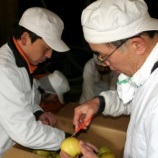 『地味な、りんごの洗浄こそ丁寧に』の画像