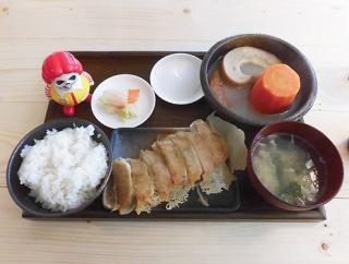 函館 本町のド派手な居酒屋「広州Greco」インパクト大おでん定食