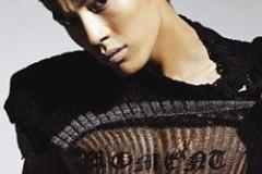 韓国人歌手「Good job korea!GO JAPAN」に、「koreaは小文字でJAPANは大文字、気に障る」など批判殺到