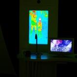 『炭素系材料にレーザー照射したときの試料の温度分布』の画像