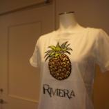 『ANVALIDES ビジュー付パイナップルプリント Tシャツ』の画像