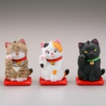 動物イラストでお馴染みの佐藤邦雄氏の「招福猫」がフィギュアになってガチャに登場!