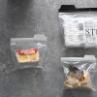ジッパーバッグが大活躍!1つのケースにまとめてスッキリ!開封後の調味料(粉物)の保存と収納