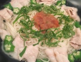 真野恵里菜さん(25)の素麺の盛り付けがグロテスクと話題に