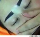 「まるで関羽だ」「アングリーバードみたい」 中国 眉毛タトゥーを入れた女性 イメージと大違いで施術料の返還を求める(画像あり)