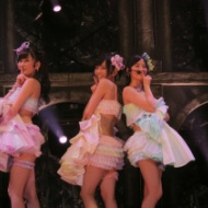 【画像】NMB 山本彩のジッパーの衣装姿が最高にエロい!!! アイドルファンマスター