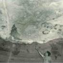 洞窟の「天井」に恐竜の足跡が付いていた謎が解明される