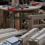 『樽材のテーブル』の画像