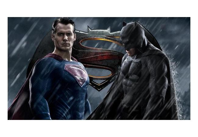 【悲報】スーパーマンさん、格ゲーのキャラセレ画面で不意打ちしてしまう