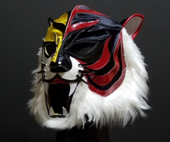 ヤフオクでは今後、マスクは「ホッチキスの替芯」として1万円で販売されます