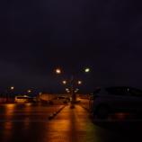 『夜の駐車場 - α7R III + FíRIN 20mm F2 FE MF』の画像