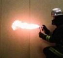 【悲報】ガキ「蜂の巣やんけ!ガス缶火炎放射器で焼いたろw」→工場含む3400平方メートルの火災