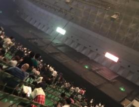 【悲報】NMB48、ライブ会場が暗幕だらけで無事死亡