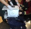 「YouTubeで有名になりたくて…」 電子レンジをかぶって石膏で固めた男、レスキュー隊が救助