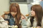 【AKB48】矢吹奈子、韓国でトンカツを食べる 「日本で食べたのより美味しい」と感激