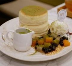 【シンガポール】 Typhoon Taiwanese Cafe タロスフレパンケーキ