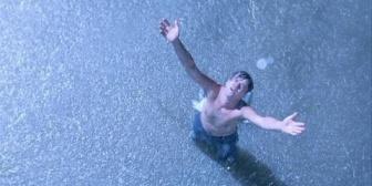 夜中の帰り道で紙吹雪作って一人ショーシャンク→翌朝そこ通ったらww