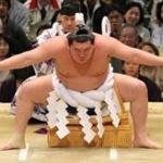 【画像】日本の力士が注射で泣く様子が世界中に配信wwww