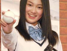 国民的美少女コンテストグランプリの吉本実憂が「第85回選抜高等学校野球大会」応援ポスターのイメージキャラクターに