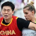 【動画】米国人「どうしてアメリカ女子選手は中国男子選手と試合をしてるんだ?」