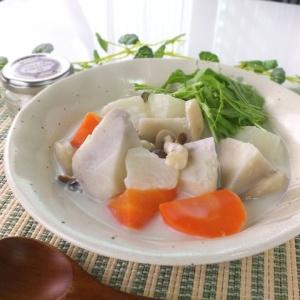 とろみがあって温まる♪根菜のクリームスープ