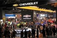 アメリカ人「V6、DOHC、4000ccってスモールカーだろ」なぜなのか?