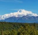 アラスカにある標高6190mのデナリの雪が溶け出し66トンの人糞が問題に