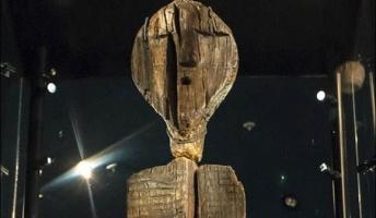 ロシアで発見された「シギルの偶像」は世界最古の木造彫刻であることが判明(共同研究)