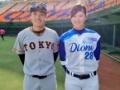 女子プロ野球選手とガチのプロ野球選手が並んだ結果wwwww(画像あり)