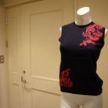 『KEITA MARUYAMA(ケイタマルヤマ)フラワー刺繍ノースリーブニット』の画像