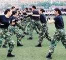 【画像】中国の航空会社が新人乗務員に軍事訓練・テコンドーを教え込む テロ及びモンスター乗客対策で