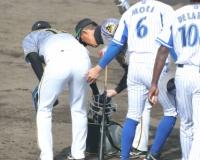 【悲報】DeNA森敬斗、阪神西を触りニッコリ