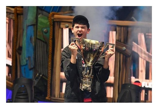 16歳の少年、ゲーム大会で3億円を手にするwwwwwwwwwwww