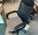 【悲報】会社「座り心地の良い椅子用意したぞ!」←勤務態度を監視する機能を搭載してた事が判明し炎上